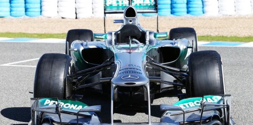 Mercedes W04 al lancio. Sarà finalmente una 'freccia'?