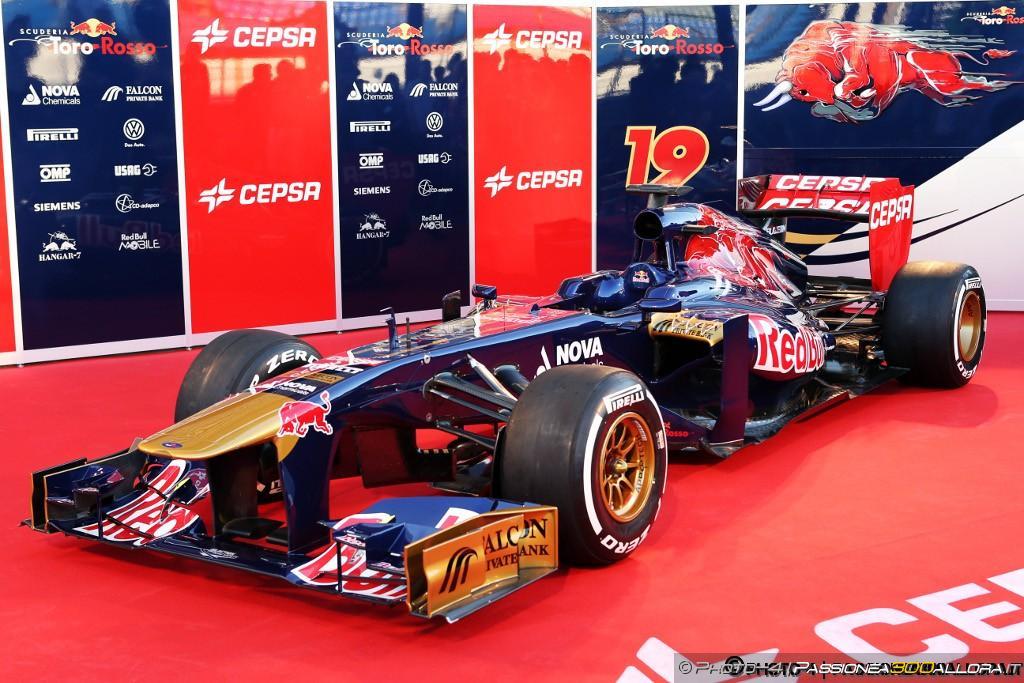 Toro Rosso STR8: nuova filosofia a Faenza
