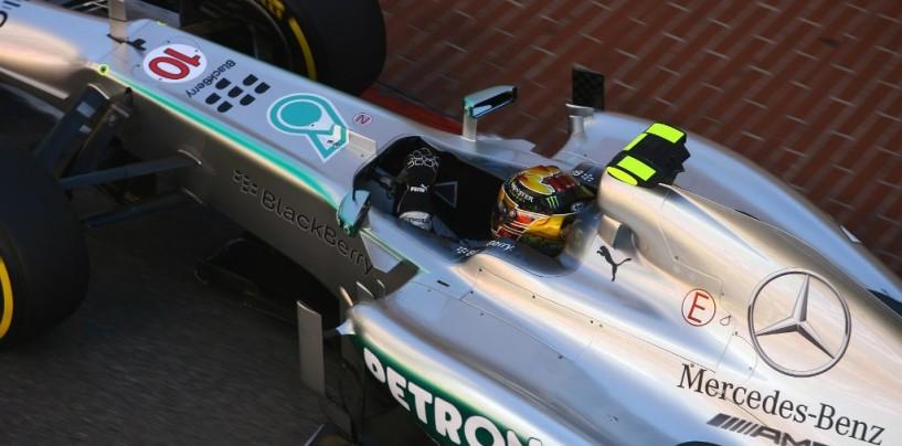 Hamilton al volante nei test-segreti Mercedes a Barcellona