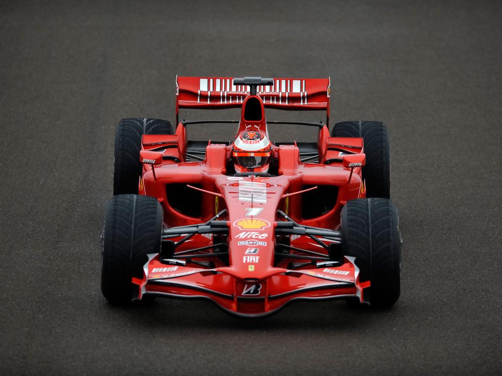 Ufficiale: Kimi Raikkonen torna in Ferrari dal 2014