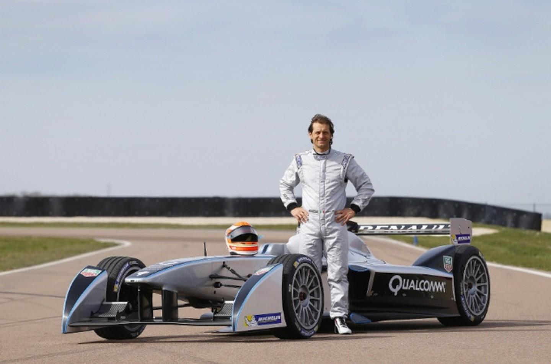 Jarno Trulli ha provato la E-Car SRT-01E