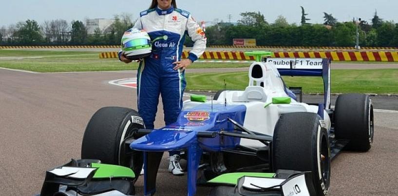 Simona De Silvestro alla guida di una F1 a Fiorano