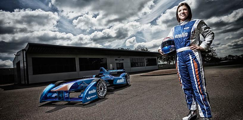 Formula E: arriva la prima pilota donna della serie, Katherine Legge