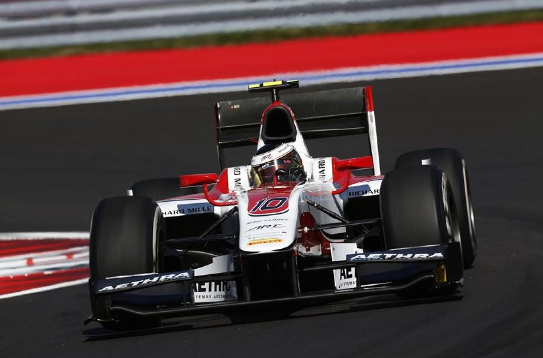 GP2 Sochi: stesso tempo per Vandoorne e Pic, il belga in pole