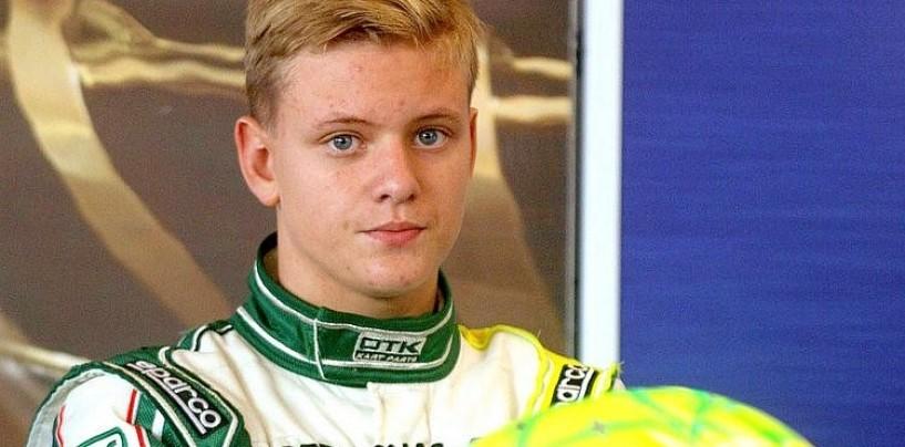 Mick Schumacher premiato dall'Associazione Internazionale di Karting