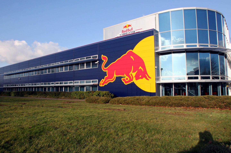 Red Bull: rubati tutti i trofei allo stabilimento di Milton Keynes