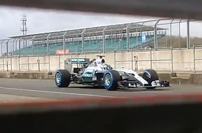 Spiata a Silverstone la nuova Mercedes W06