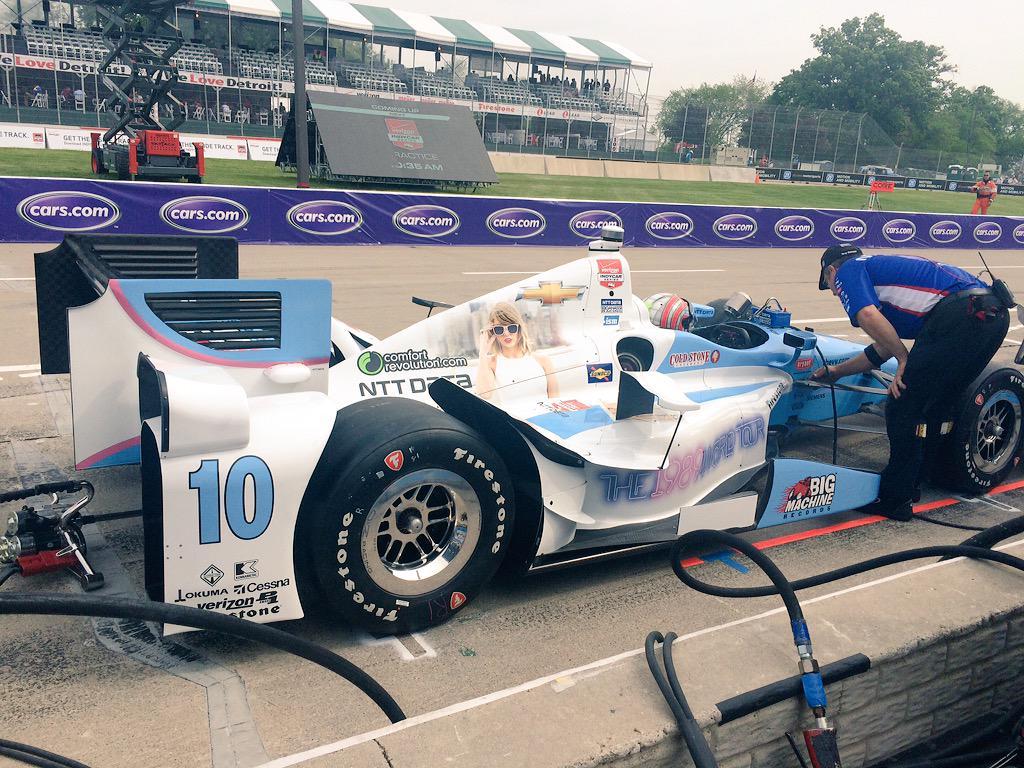Indycar 2015, Kanaan comanda le prime libere a Detroit