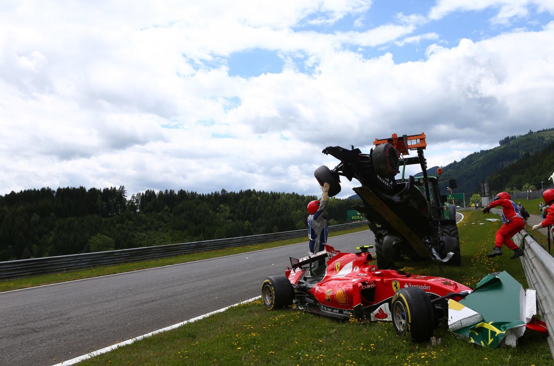 Per colpa di chi? Proviamo a capire l'incidente tra Alonso e Raikkonen