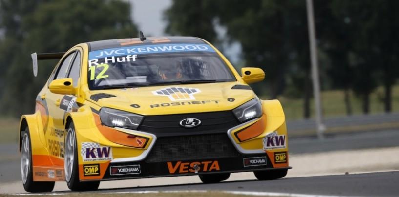 WTCC Slovakia Ring: Huff vola con la Lada nei test