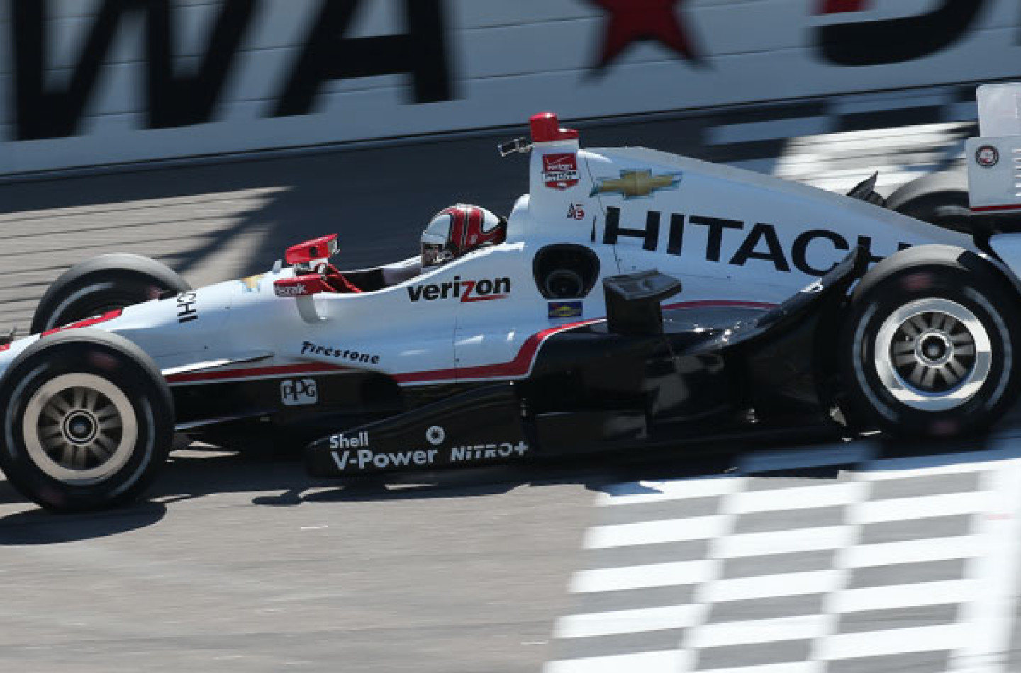 Indycar 2015, in Iowa la pole va a Castroneves