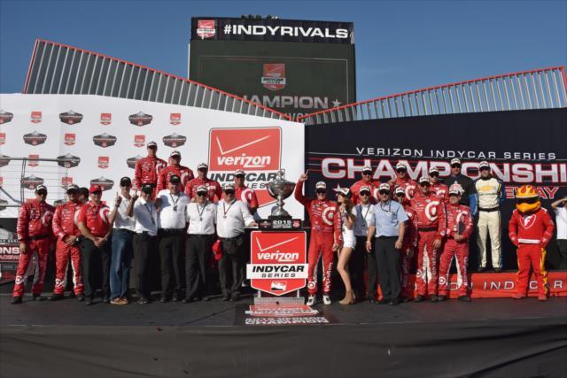 Indycar, pazza Sonoma: Dixon è campione