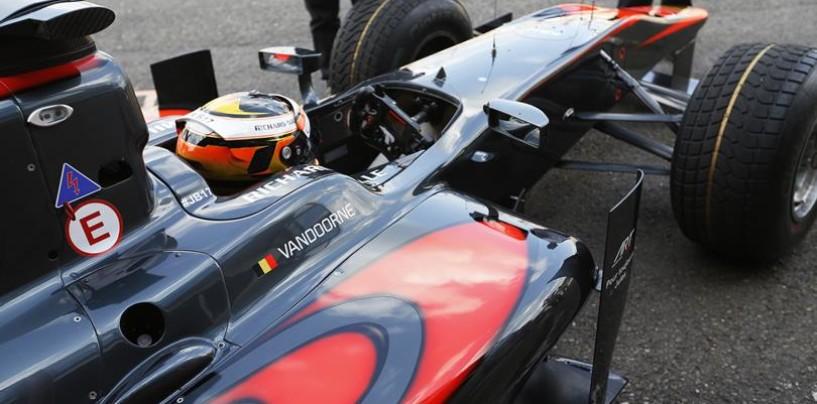 GP2 Spa-Francorchamps: vince ancora Vandoorne, paura per de Jong