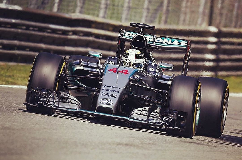 GP d'Italia: Hamilton domina e ipoteca il titolo, Vettel secondo, Rosberg out