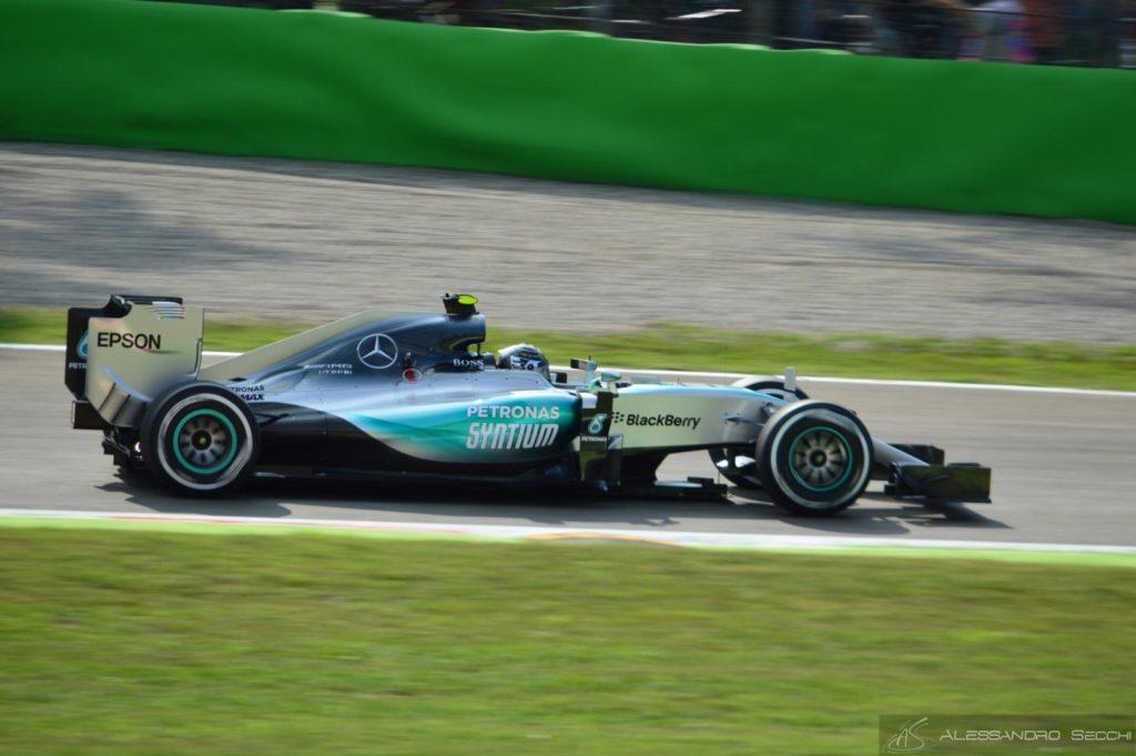 F1 | Rosberg frena Hamilton: