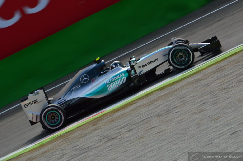 F1   GP del Messico: Rosberg vince su Hamilton e Bottas. Fuori le Ferrari