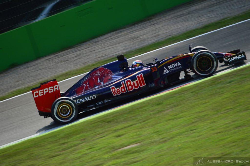 Max Verstappen: piede, palle, papà...