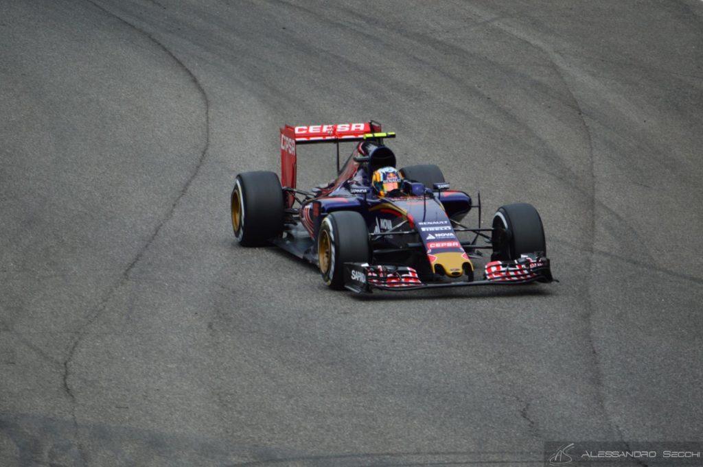 GP del Giappone, libere 1: Sainz davanti nella pioggia battente