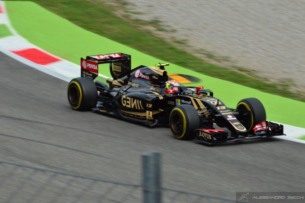 Pastor Maldonado confermato dalla Lotus per il 2016