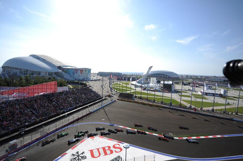 Sochi: piloti avvisati, mezzi salvati. In curva 2 non si taglia
