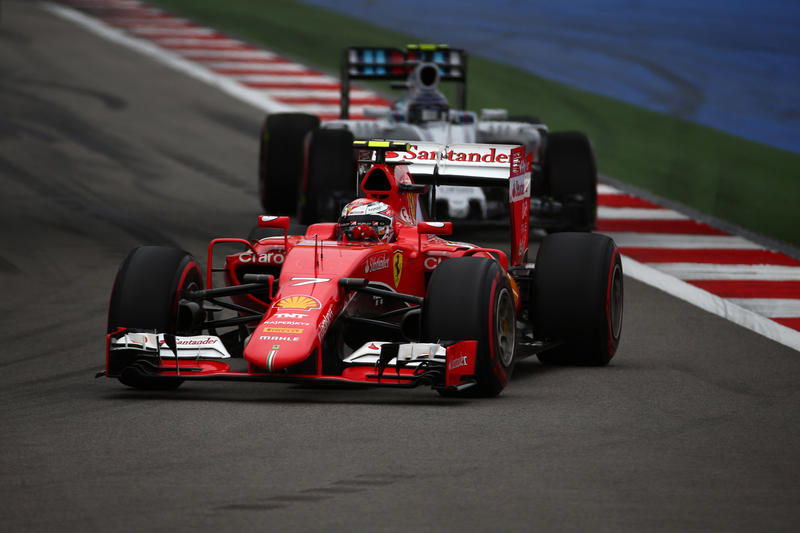 Penalizzati Raikkonen e Alonso, Mercedes Campione costruttori