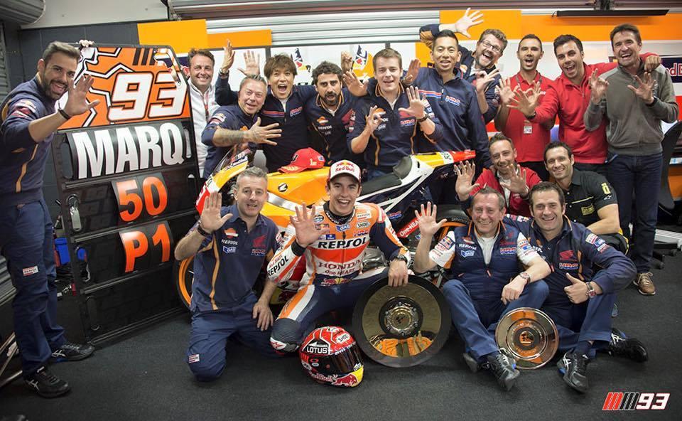 MotoGP | Phillip Island, Marquez beffa Lorenzo, Rossi 4° dietro Iannone