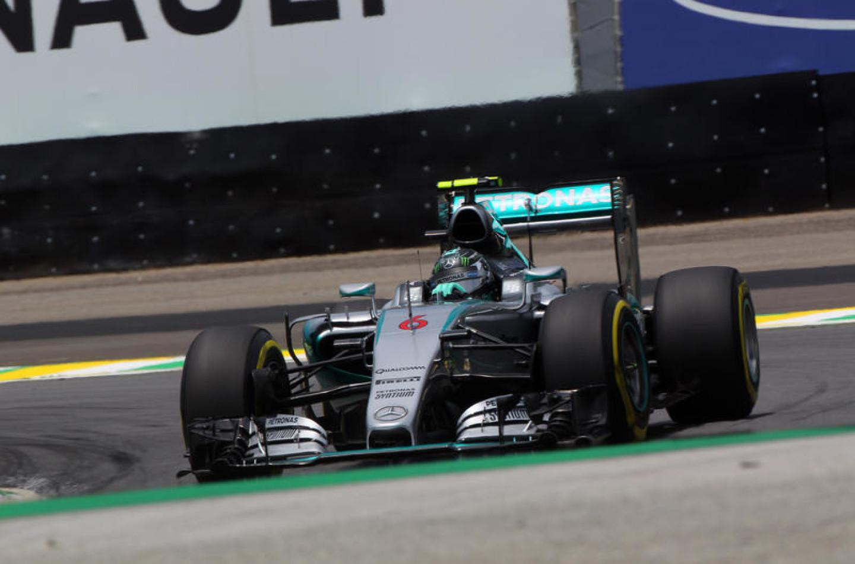 F1 | Rosberg vince il GP del Brasile 2015 su Hamilton e Vettel