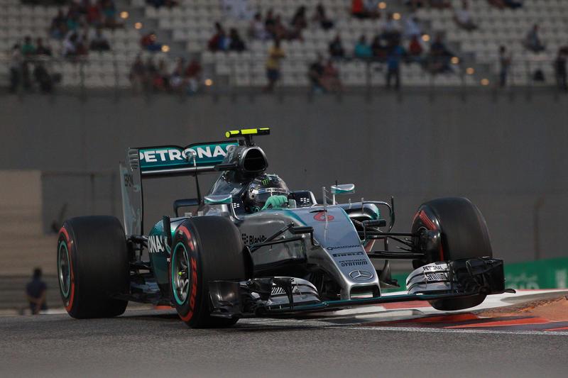 F1 | Qualifiche GP Abu Dhabi: Rosberg fantastica pole su Hamilton e Raikkonen