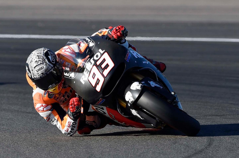 MotoGP   a Valencia, Márquez cade ancora ma si conferma leader