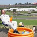 F1   #PlacesAlonsoWouldRatherBe, l'hashtag che consola Fernando 9