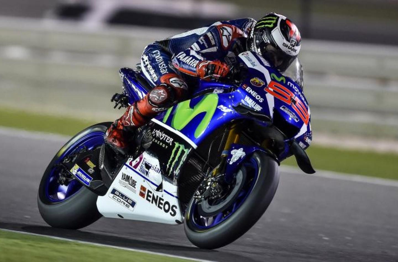 MotoGP | Mugello, Lorenzo vince su Marquez e Iannone. Rossi rompe