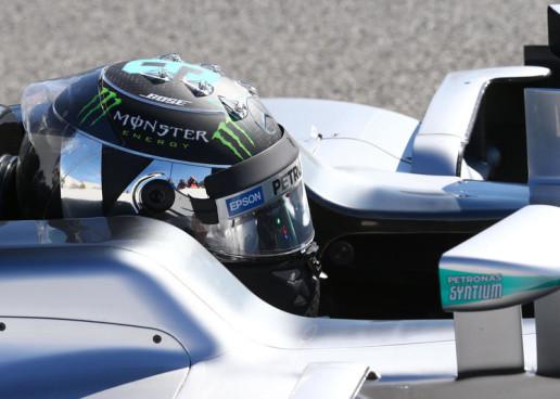 F1   GP d'Austria, FP1: Rosberg in testa, pericolo cordoli