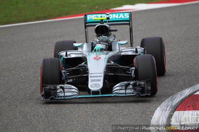 F1 | GP Cina: Rosberg in pole davanti a Ricciardo e Raikkonen