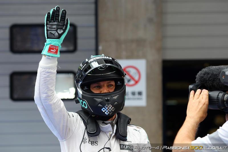 F1 | GP del Belgio: Rosberg in pole su Verstappen, Ferrari in seconda fila