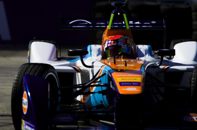 Formula E | Long Beach: da Costa centra la pole, ancora male le DAMS