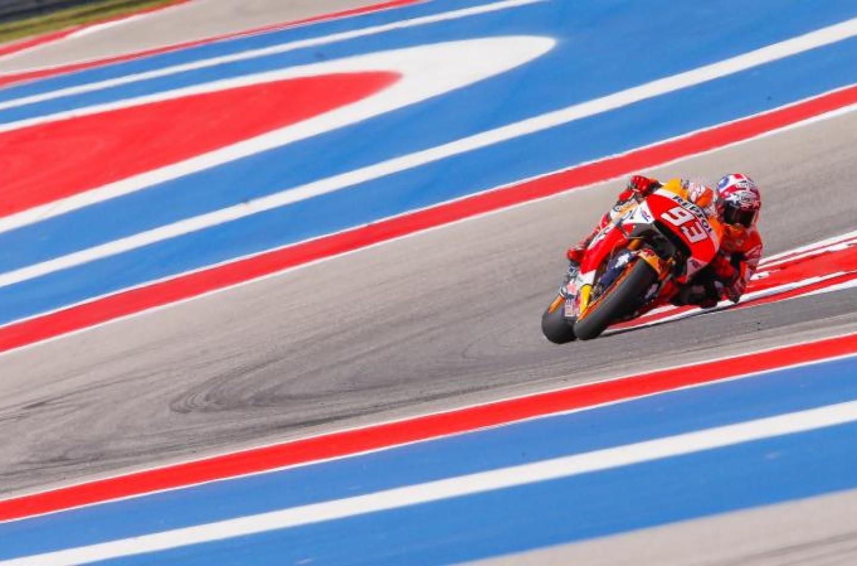 MotoGP | Austin: Márquez domina, Rossi e Dovizioso a terra