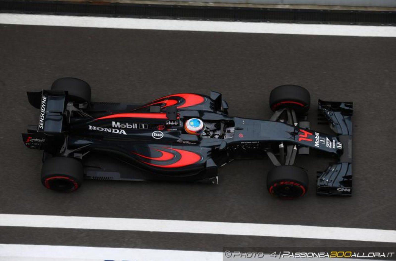 F1 | McLaren, Alonso: stiamo migliorando