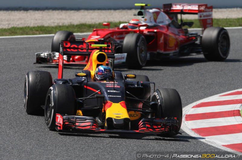 F1   Test Barcellona, day 2: Verstappen chiude al comando