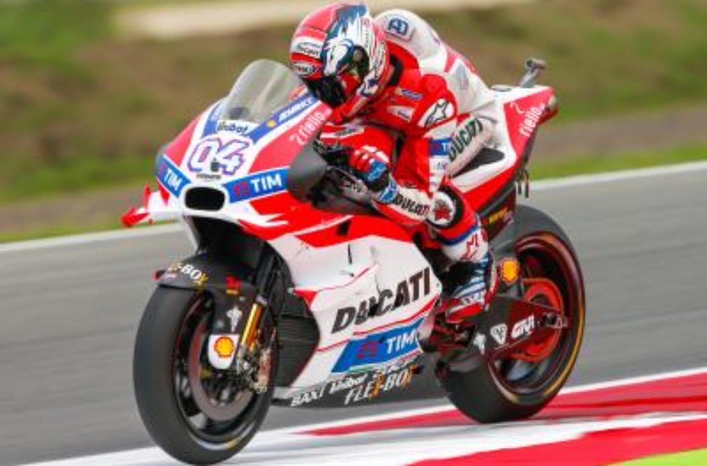 MotoGP | Assen: Dovizioso vola sotto la pioggia, Rossi secondo