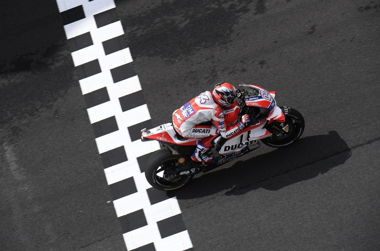MotoGP | Dovizioso porta la Ducati in pole a Sepang