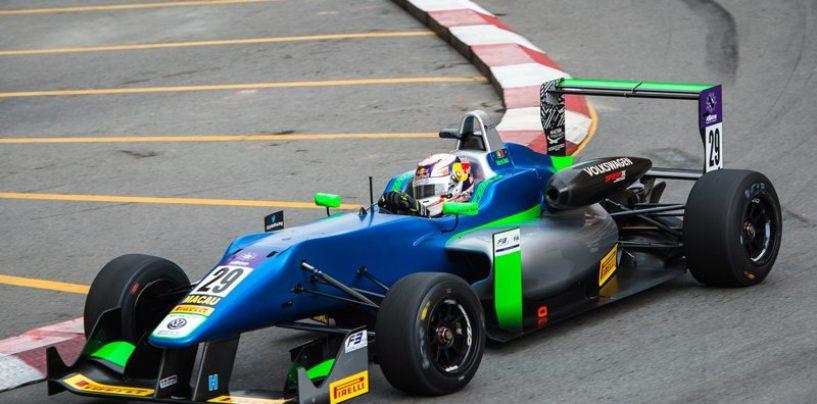 """<span class=""""entry-title-primary"""">Gran Premio di Macao: Monteiro, Vanthoor, da Costa e Hickman trionfano nel caos</span> <span class=""""entry-subtitle"""">Incidenti, Safety Car e bandiere rosse a ripetizione in una giornata difficilissima per il Guia Circuit</span>"""