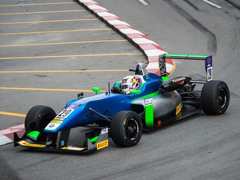 Gran Premio di Macao: Monteiro, Vanthoor, da Costa e Hickman trionfano nel caos
