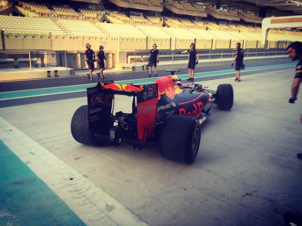 F1 | 286 giri per Gasly ad Abu Dhabi con le Pirelli wet 2017
