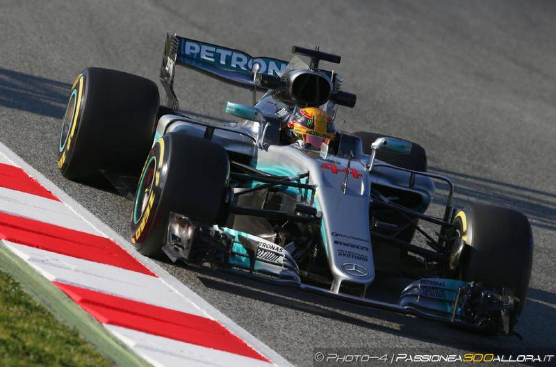 F1   Test day 1: Hamilton leader, ma la Ferrari c'è