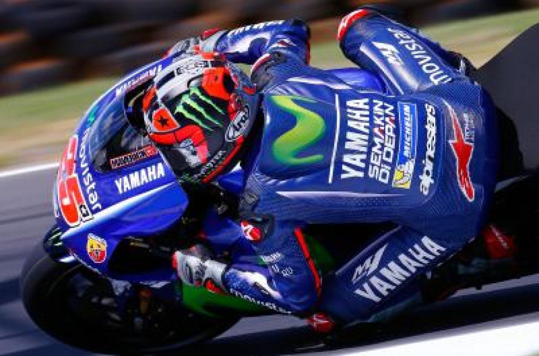 MotoGP | Viñales si prende anche Phillip Island, Rossi nelle retrovie