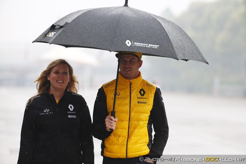 F1 | GP Cina, FP1 funestata dal maltempo