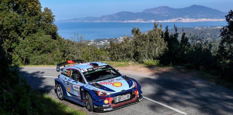 """<span class=""""entry-title-primary"""">WRC   Corsica: vince Neuville, Ogier secondo tra mille problemi</span> <span class=""""entry-subtitle"""">Il campione del mondo rischia anche il secondo posto, ma ha ragione di Sordo</span>"""
