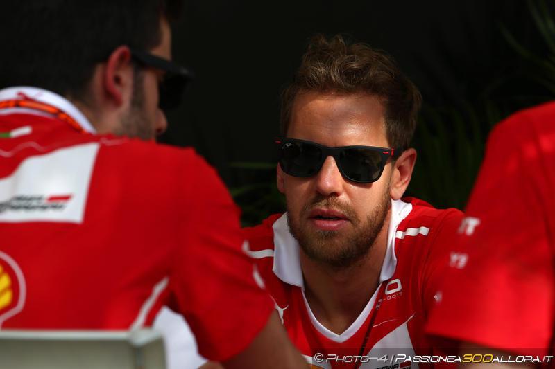 F1 | GP Bahrain: Vettel subito al comando nella FP1, Mercedes lontane
