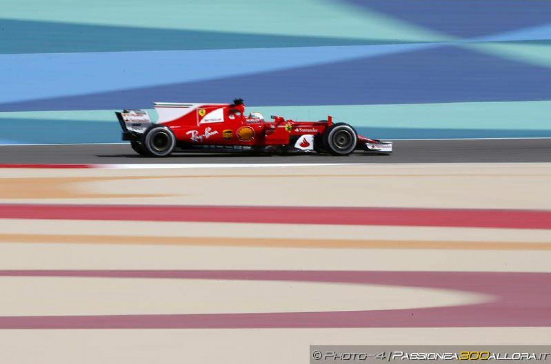 F1 | GP Bahrain: Vettel guida anche la FP2 nonostante un problema elettrico