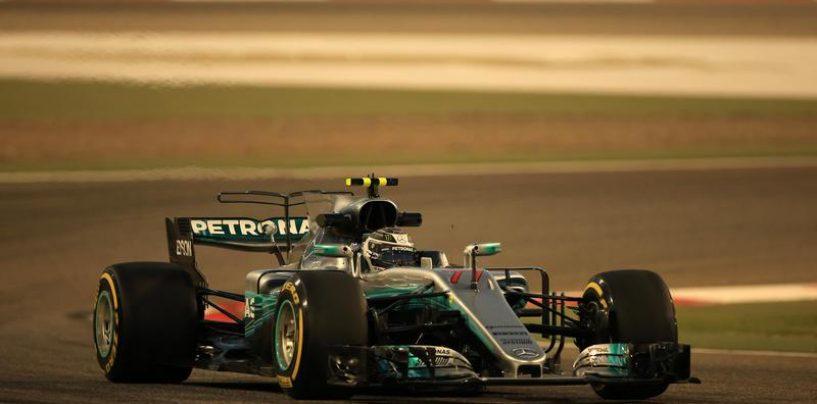"<span class=""entry-title-primary"">F1 | GP Bahrain, Bottas in pole! Hamilton 2°, Vettel 3°</span> <span class=""entry-subtitle"">Il finlandese Mercedes mette dietro l'inglese di 23 millesimi</span>"
